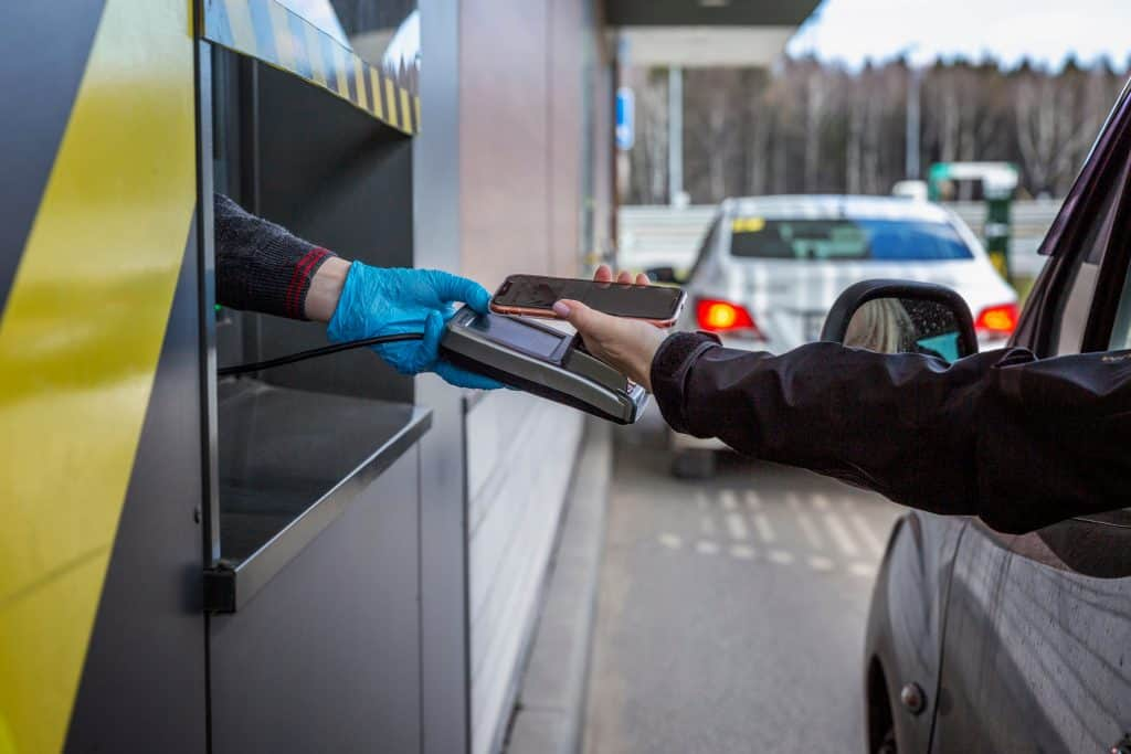 Moscow,,Russia,,04/26/2020:,A,Car,Driver,Pays,For,A,Fast